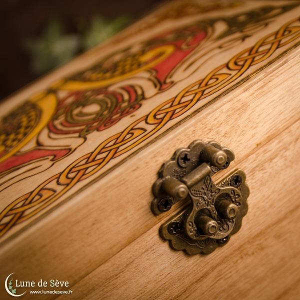Coffret en bois inspiré du Livre de Kells