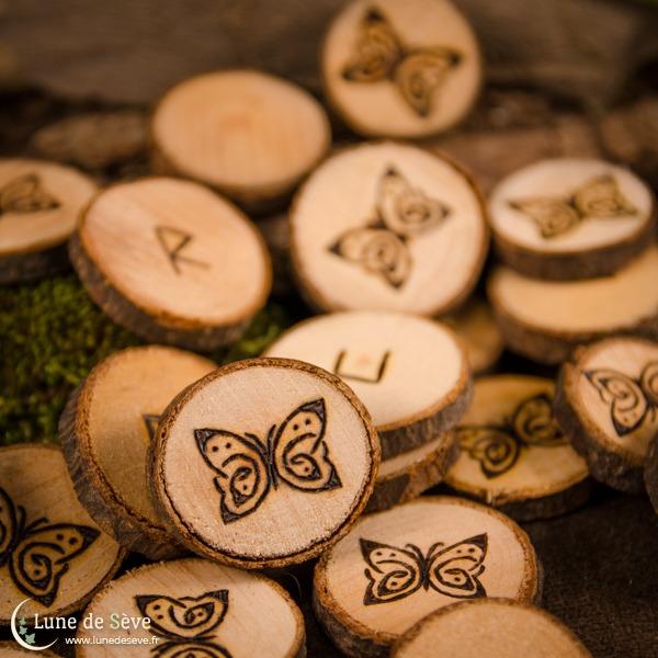 Jeu de runes personnalisé, au motif de papillon